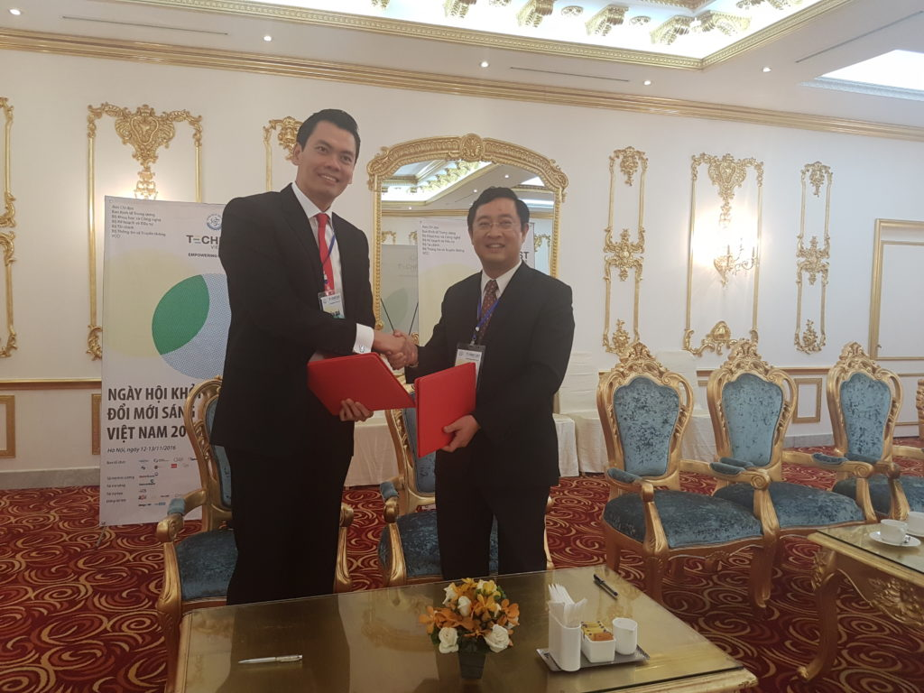 Dr Mark Hon, Chairman of ACE (Left) and Dr Pham Hong Quat, General Director of NATEC, after the signing of MoU