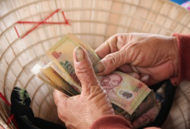 Vietnam Announces Major Initiative to Become Cashless by 2020