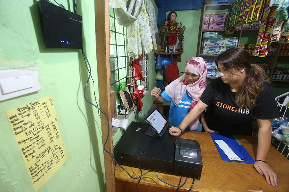 FINTQ to enable Pinoys to deposit to bank accounts via sari-sari stores
